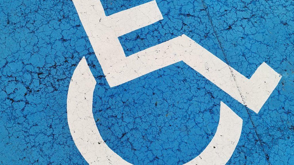 señal plaza para personas con movilidad reducida